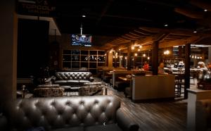 5 Under Golf Dining Room
